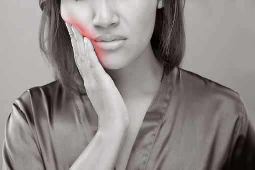 Symptoms Your Jaw Pain Is More Serious